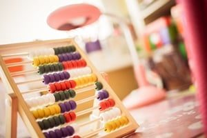 childrens-wooden-abacus-picjumbo-com - Copia