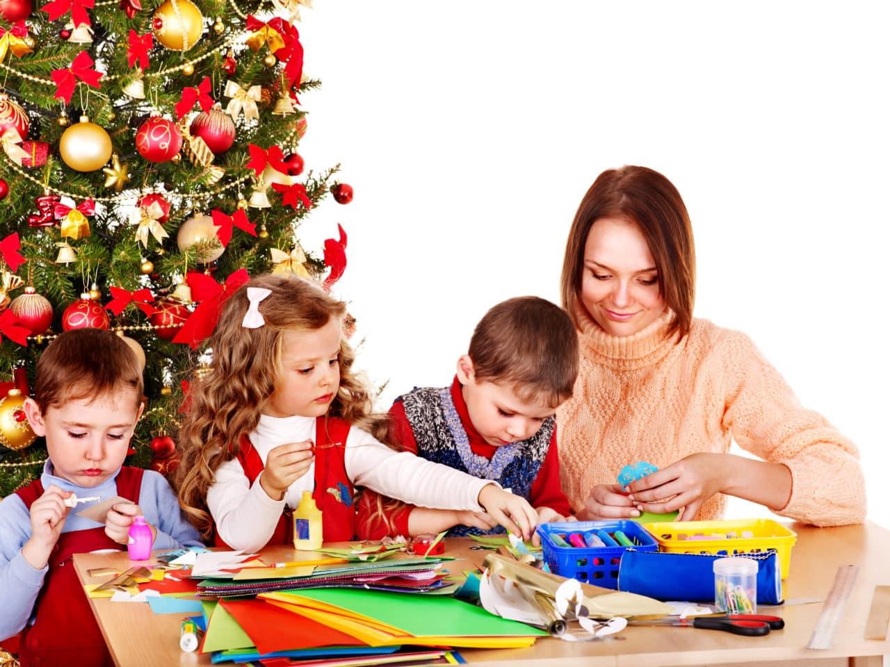 Lavoretti Di Natale Bambini 0 3 Anni.5 Lavoretti Per Il Natale Da Fare Con I Bambini Dell Asilo Nido 0